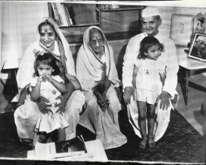 1964+India%2527s+Lal+Bahadur+Shastri+Family+Press+Photo