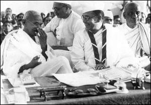 saradar and Ghandhiji..Netaji