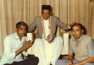 Blessing from Dada Bhagawan.. l to R..Rameshbhai and Sirishabhai DoshI